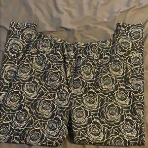 Black rose print leggings TC